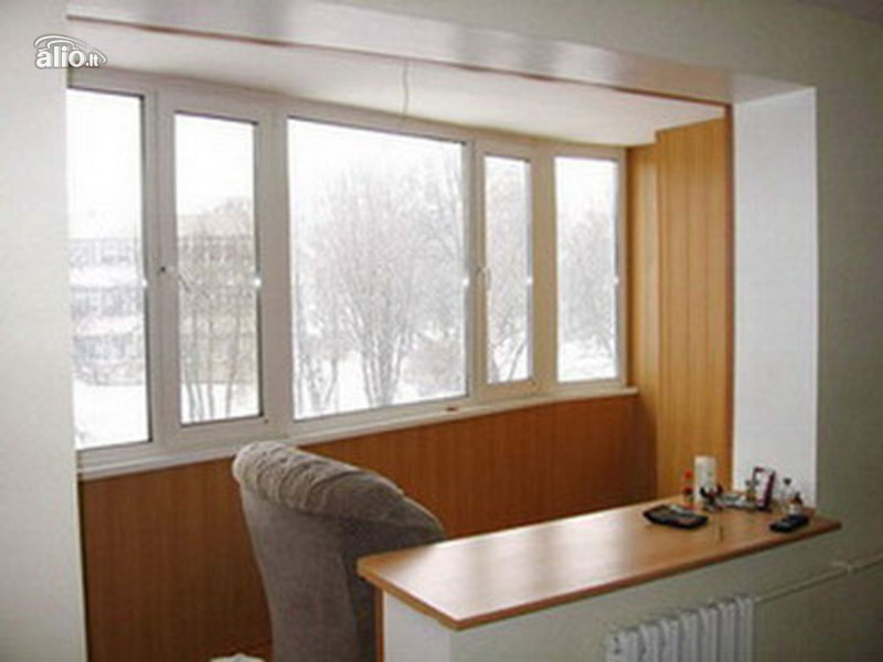 Оформление соединенного с комнатой балкона.